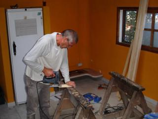 Mitarbeit 5 carpenter at work Finca Argayall (La Gomera)