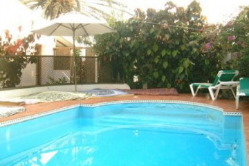 Gallery: Fincapaths 2004 round warmwaterpool02 20040618 Finca Argayall (La Gomera)