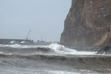 The best views 2004 ocean dramaticwaves01 20040221 Finca Argayall (La Gomera)