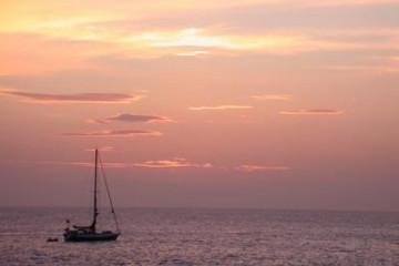 Galerie: Die besten Aussichten 2004 ocean sunsetwithboats02 20040507 Finca Argayall (La Gomera)
