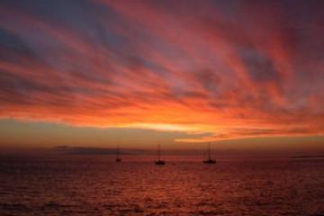 Galerie: Die besten Aussichten 2004 ocean sunsetwithboats02a 20040507 Finca Argayall (La Gomera)