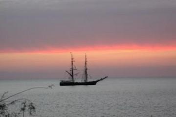 Galerie: Die besten Aussichten 2004 ocean sunsetwithboats04 20040507 Finca Argayall (La Gomera)
