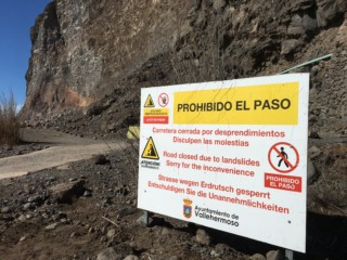 Finca aislado por deslizamiento prohibido el paso Finca Argayall (La Gomera)